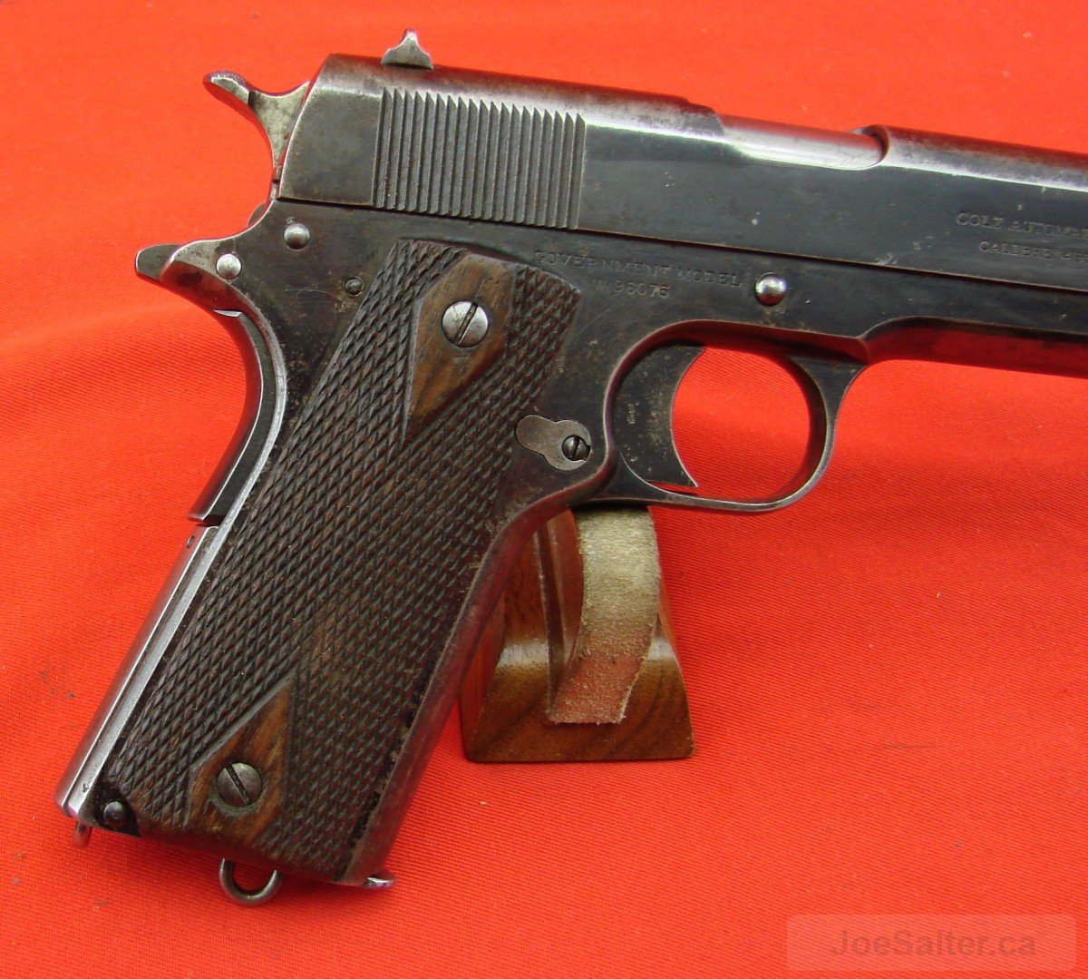 description of the colt model 1911 Colt's currently produced series 70 45 pistol is very close to duplicating the guns that came from the old factory under the blue dome in 1924 it gave the gun the official designation of pistol, caliber 45 model of 1911 the facts of the gun's reputation and service life are well-known to most handgunners.